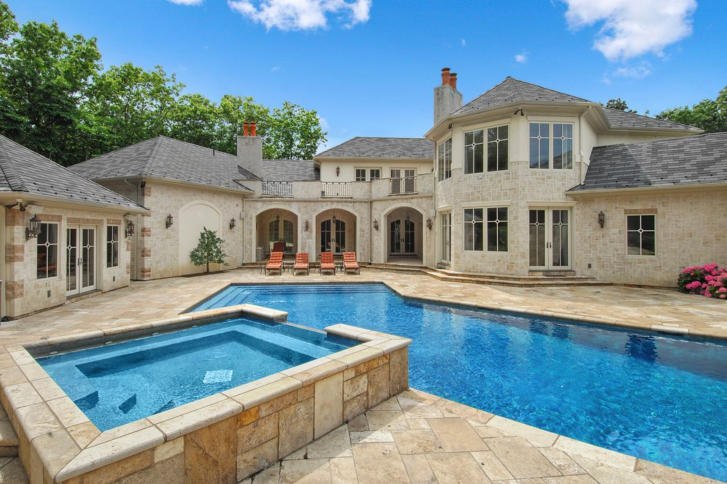Bridgehampton Luxury, Pool & Court