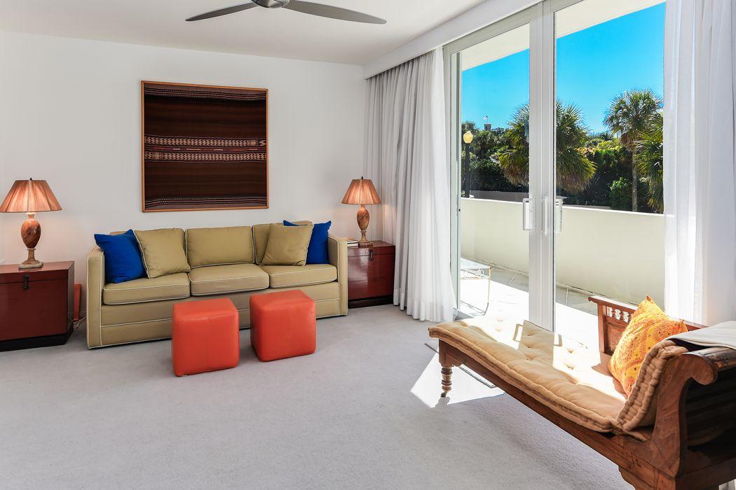 130 Sunrise Avenue Palm Beach, FL 33480