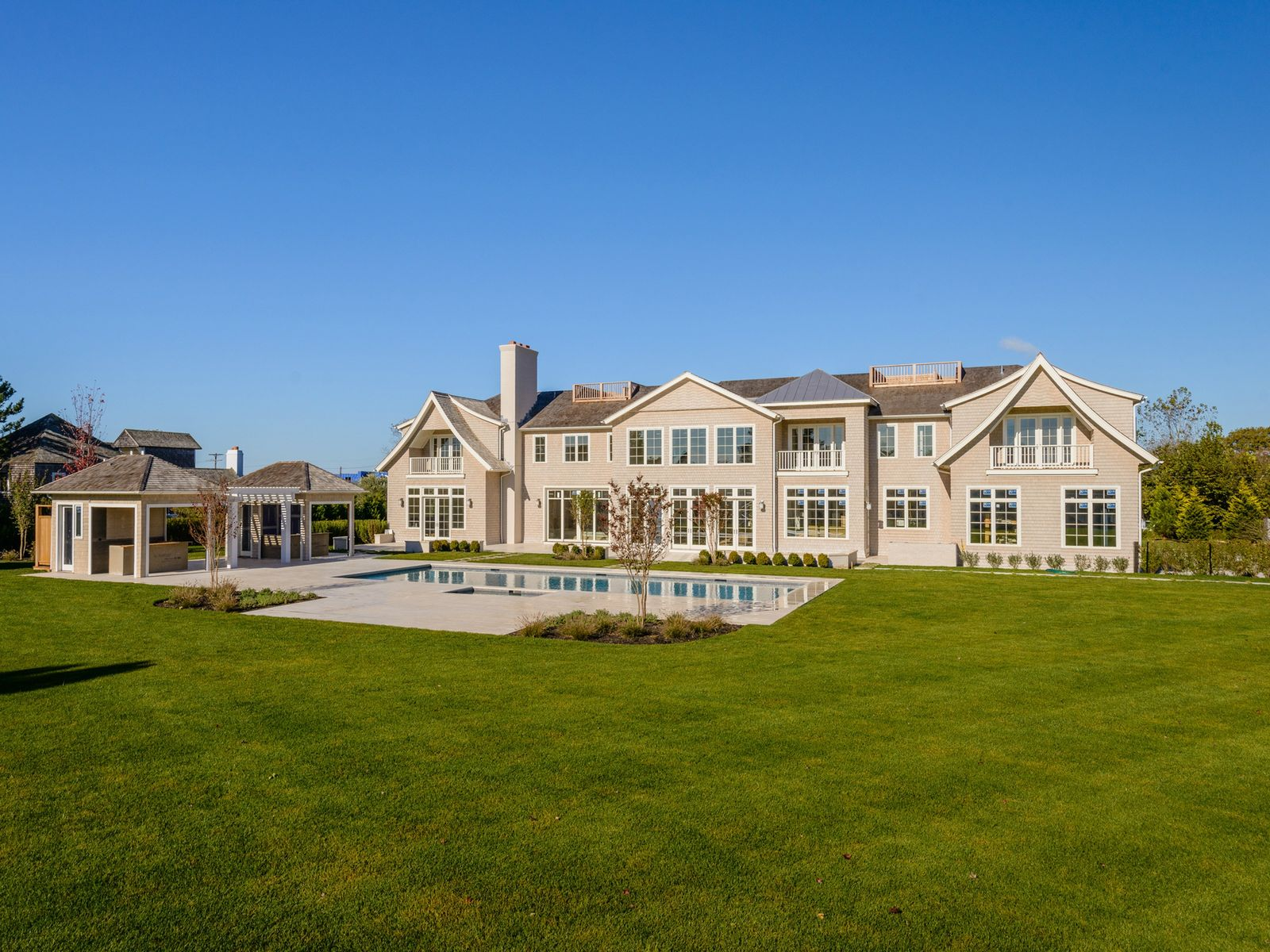 Exceptional New Estate, Close to Ocean, Bridgehampton NY Single Family Home - Hamptons Real Estate