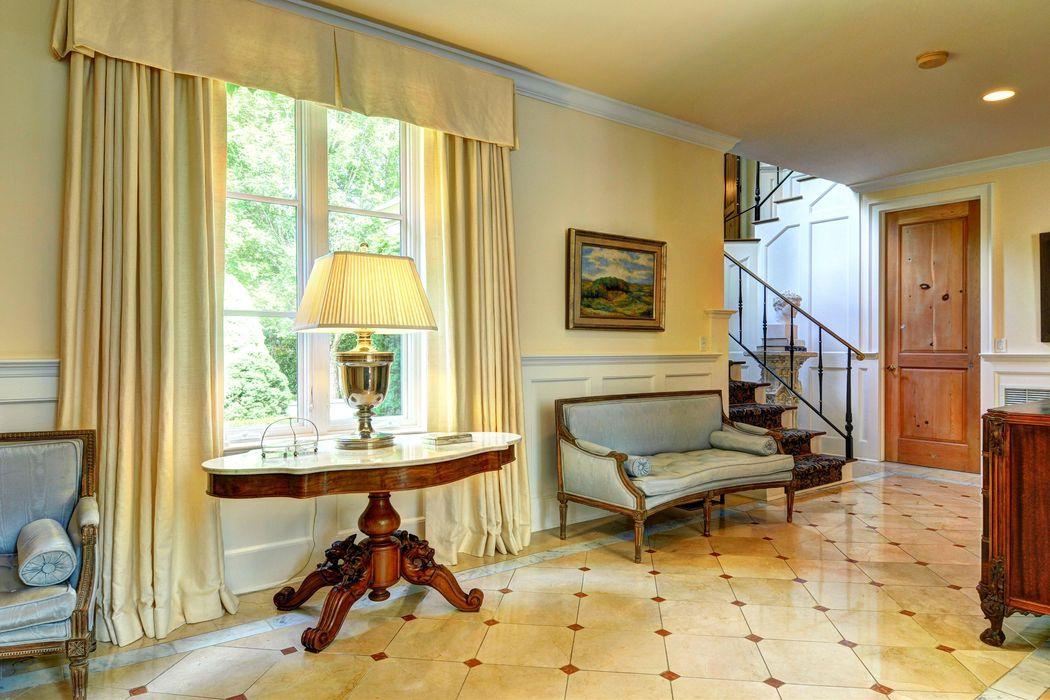 James Michael Howard » East Hampton   Living room, Classic ...