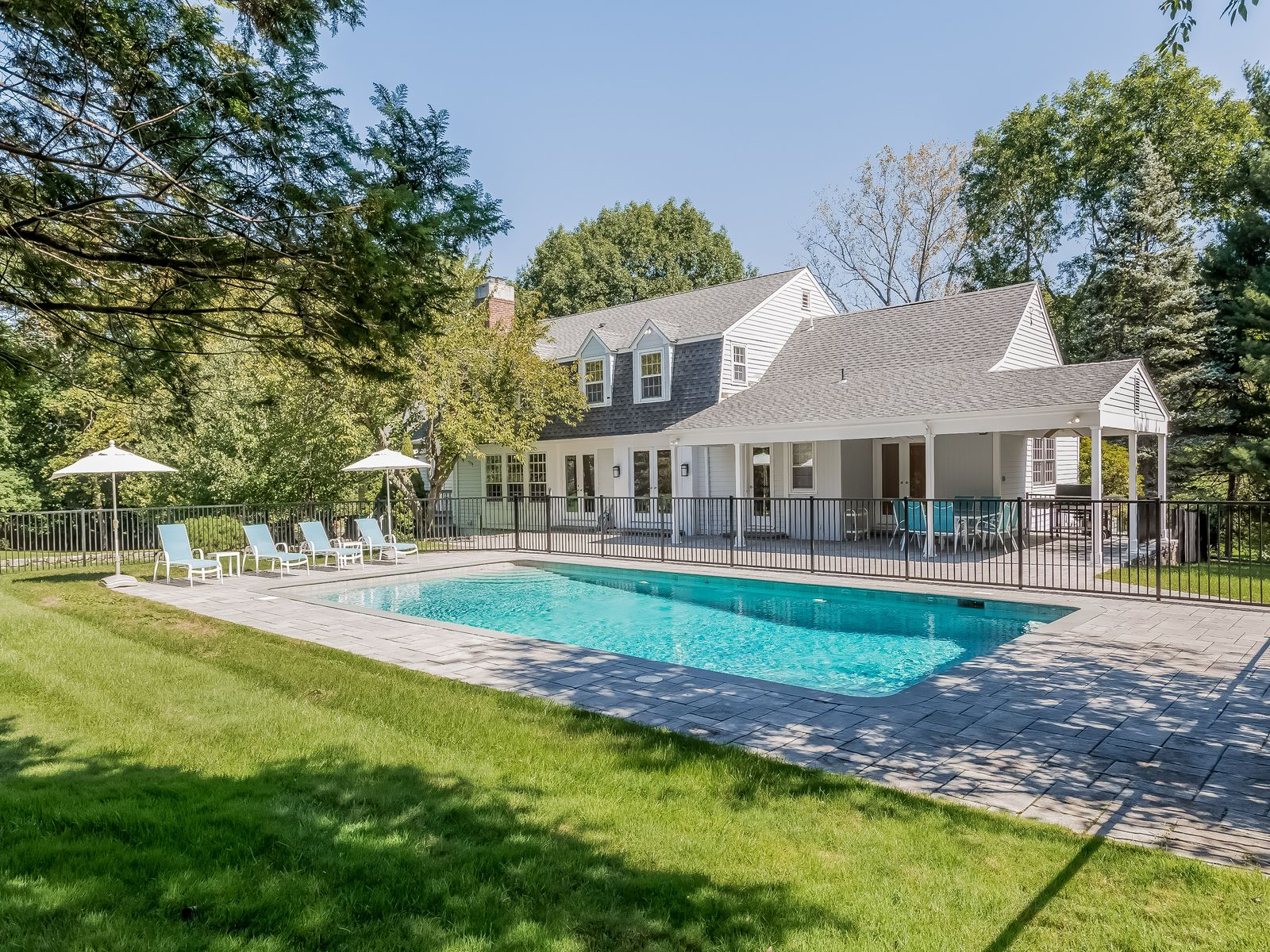 Mid-Country Beauty, Greenwich CT Single Family Home - Greenwich Real Estate