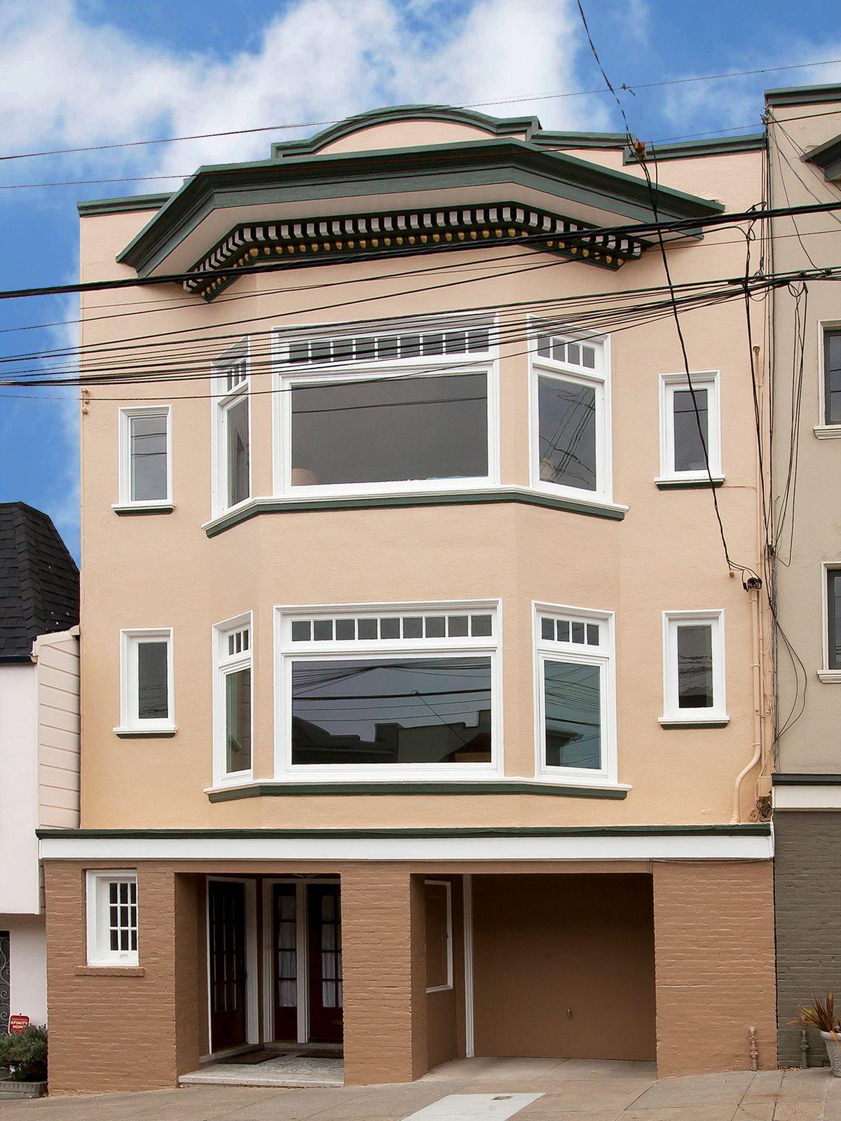 Two-Unit Richmond Building