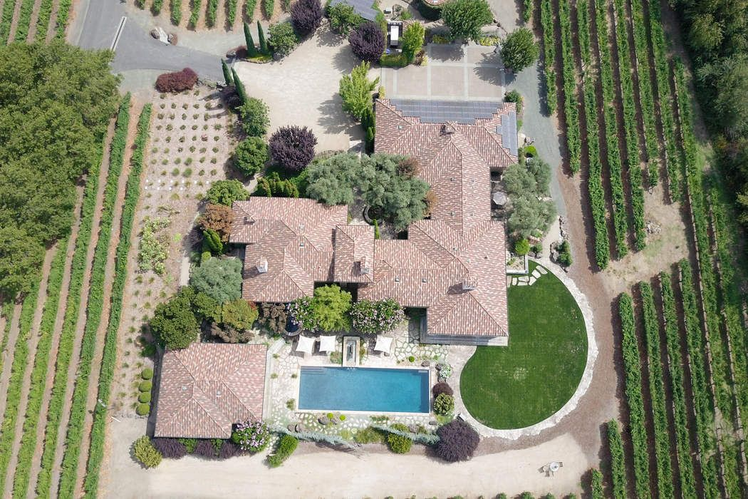 Napa Valley Estate Home and Vineyards Saint Helena, CA 94574