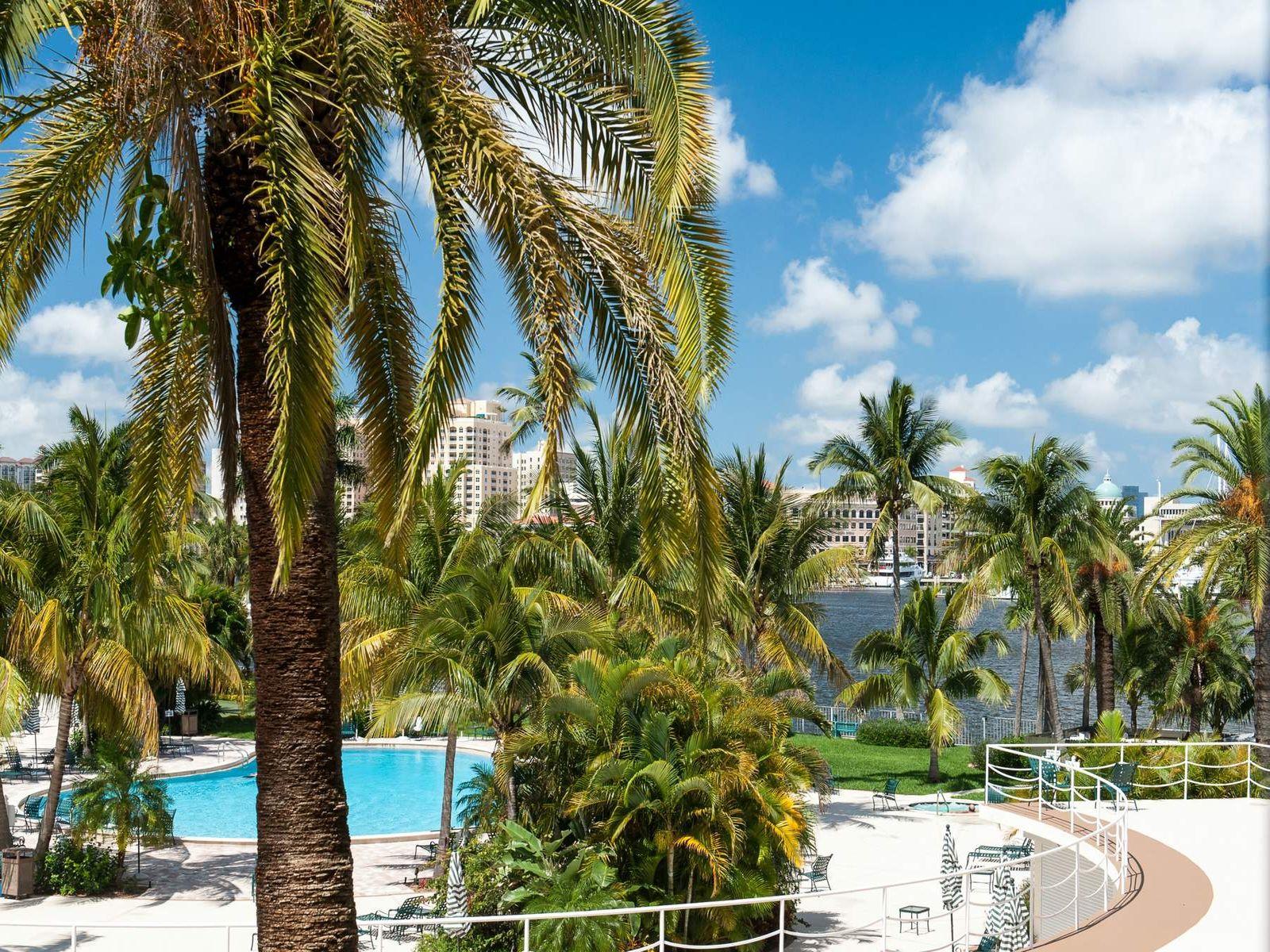 Palm Beach Towers