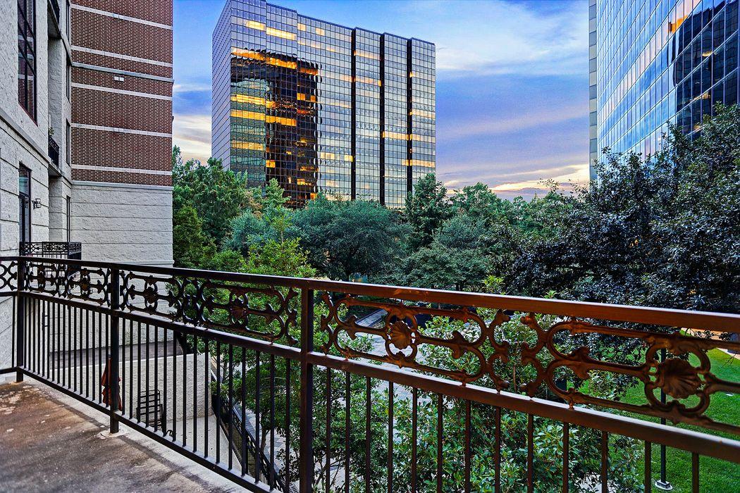 5005 Hidalgo Street Houston, TX 77056