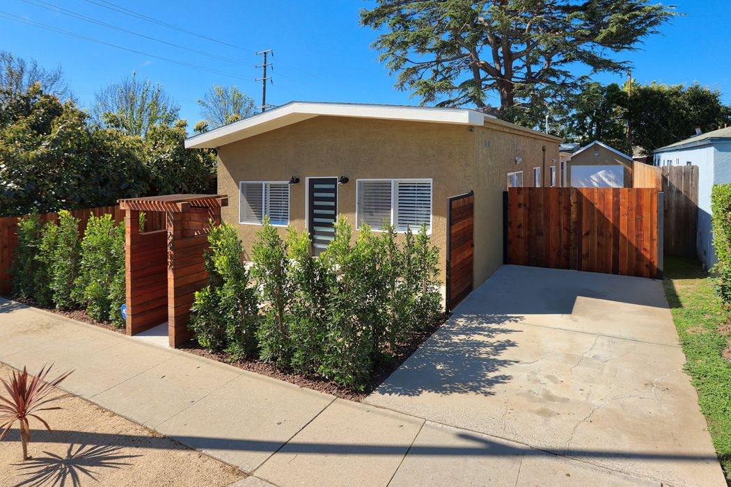 2489 Bundy Drive Los Angeles, CA 90064