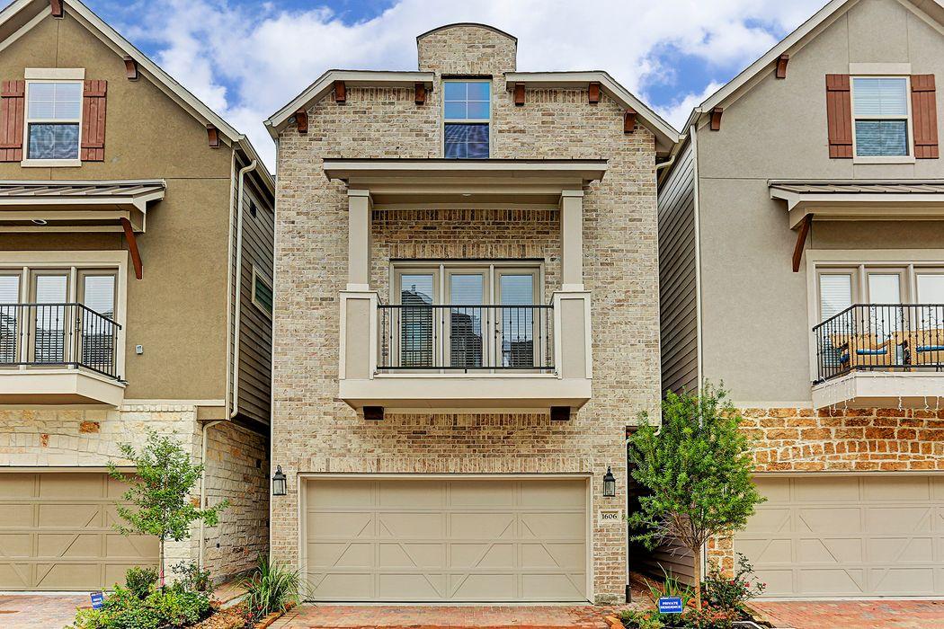 1606 Water Oak Point Drive Houston, TX 77055