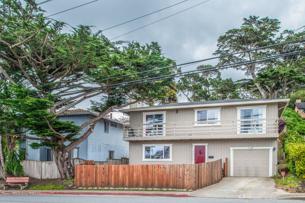 2121 David Avenue Monterey, CA 93940