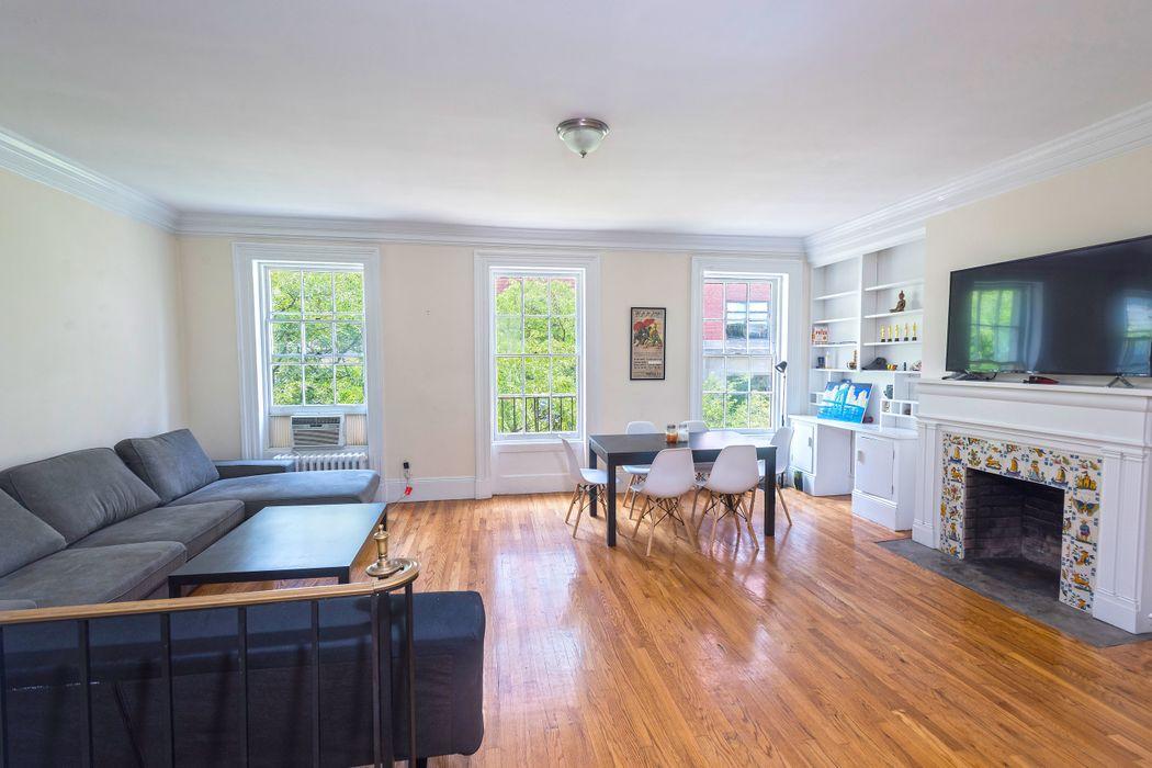 422 Hudson Street New York, NY 10014