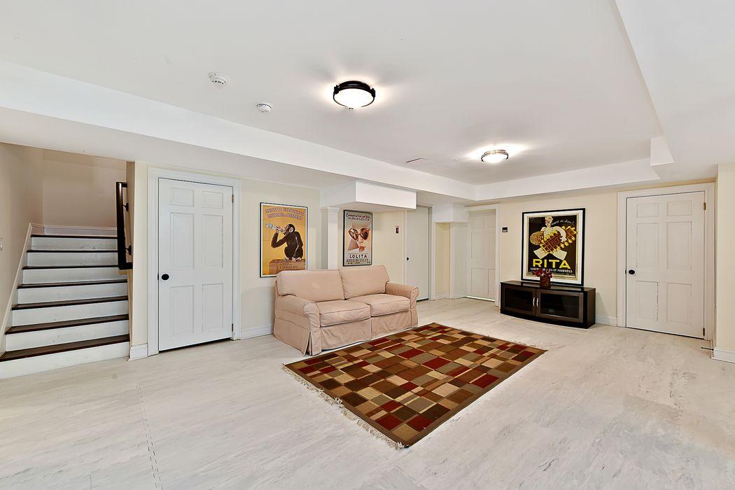 4911 Arlington Avenue Riverdale, NY 10471