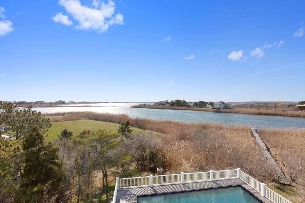Summer Oasis on Mecox Bay Bridgehampton, NY 11932