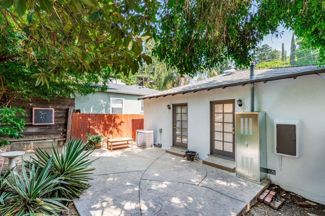 4035 Sinova Street Los Angeles, CA 90031