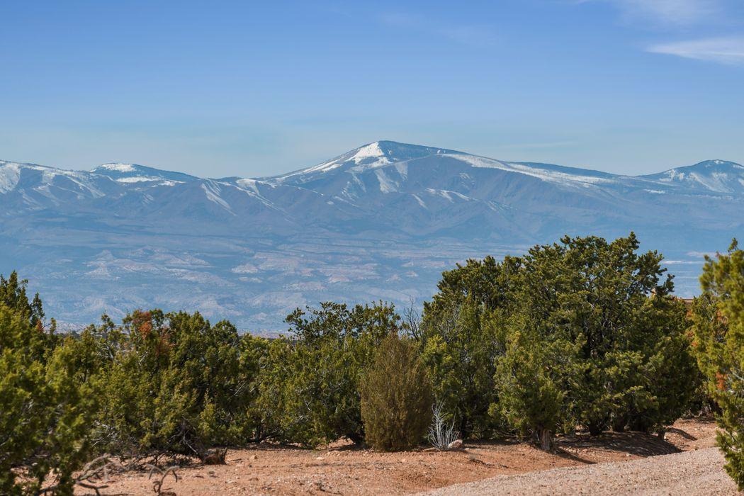 Paseo Encantado Ne Santa Fe, NM 87506