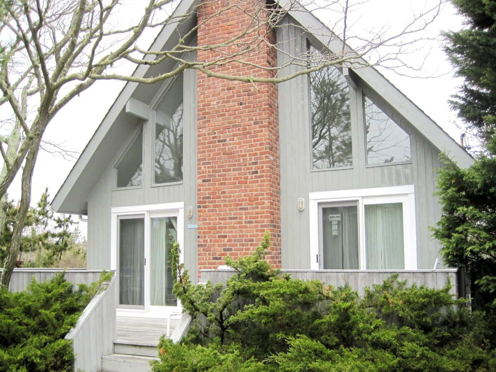 Beach Cottage, Amagansett NY Single Family Home - Hamptons Real Estate