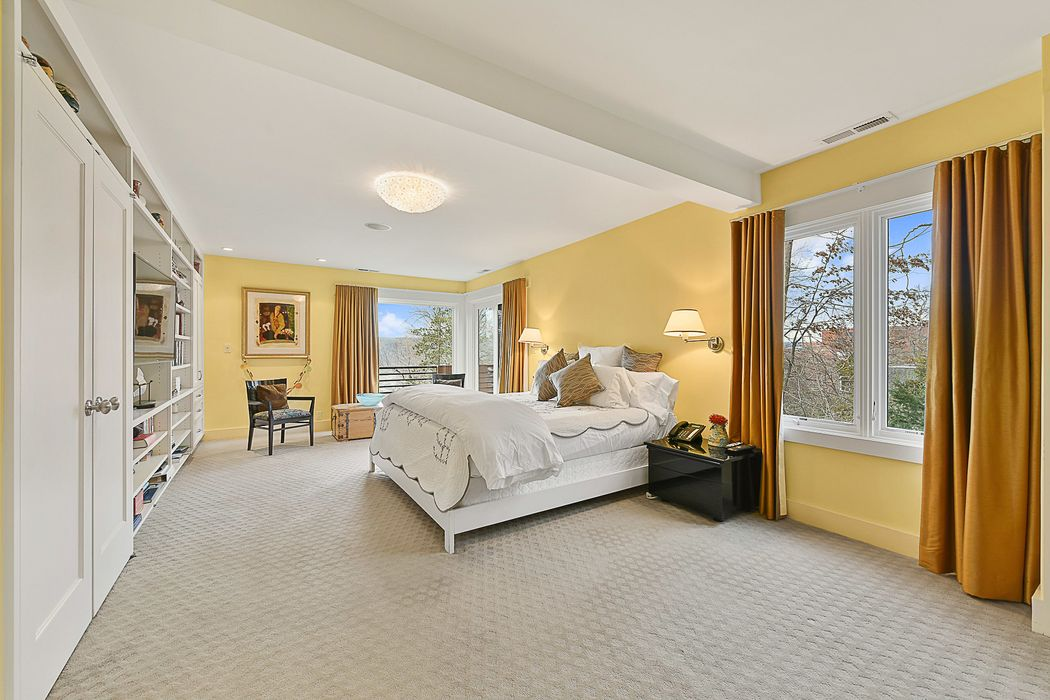 27 Sigma Place Riverdale, NY 10471
