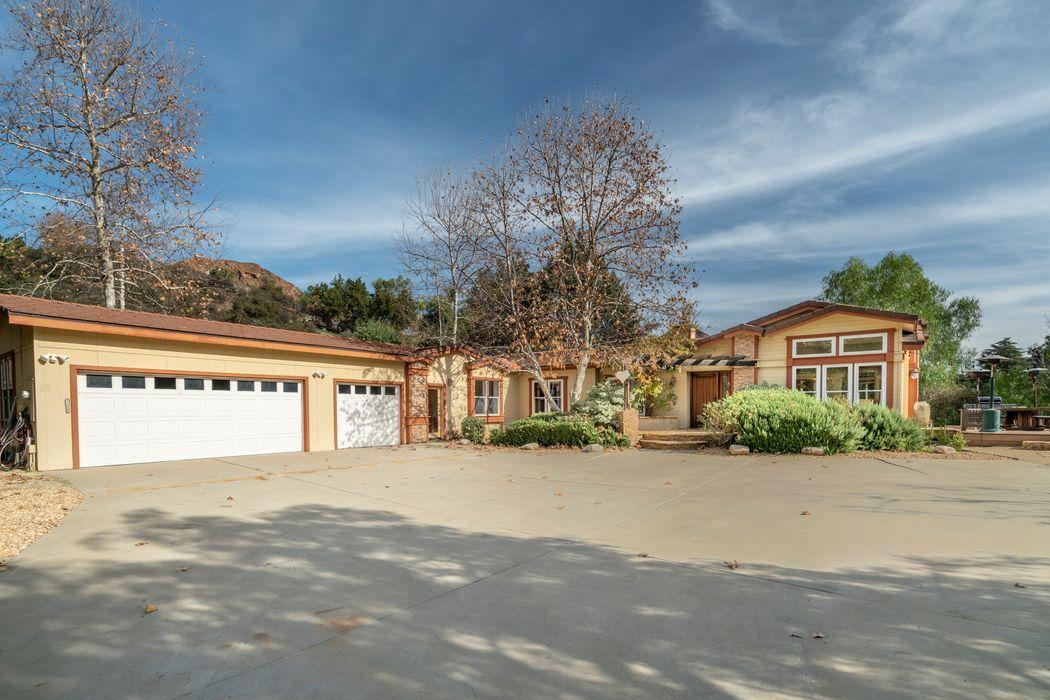 29901 Triunfo Drive Agoura Hills, CA 91301