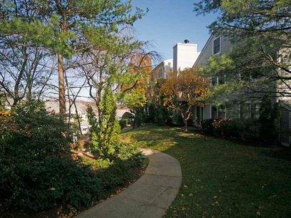 Condo Accessible to All in Glenville, Greenwich CT Condominium - Greenwich Real Estate
