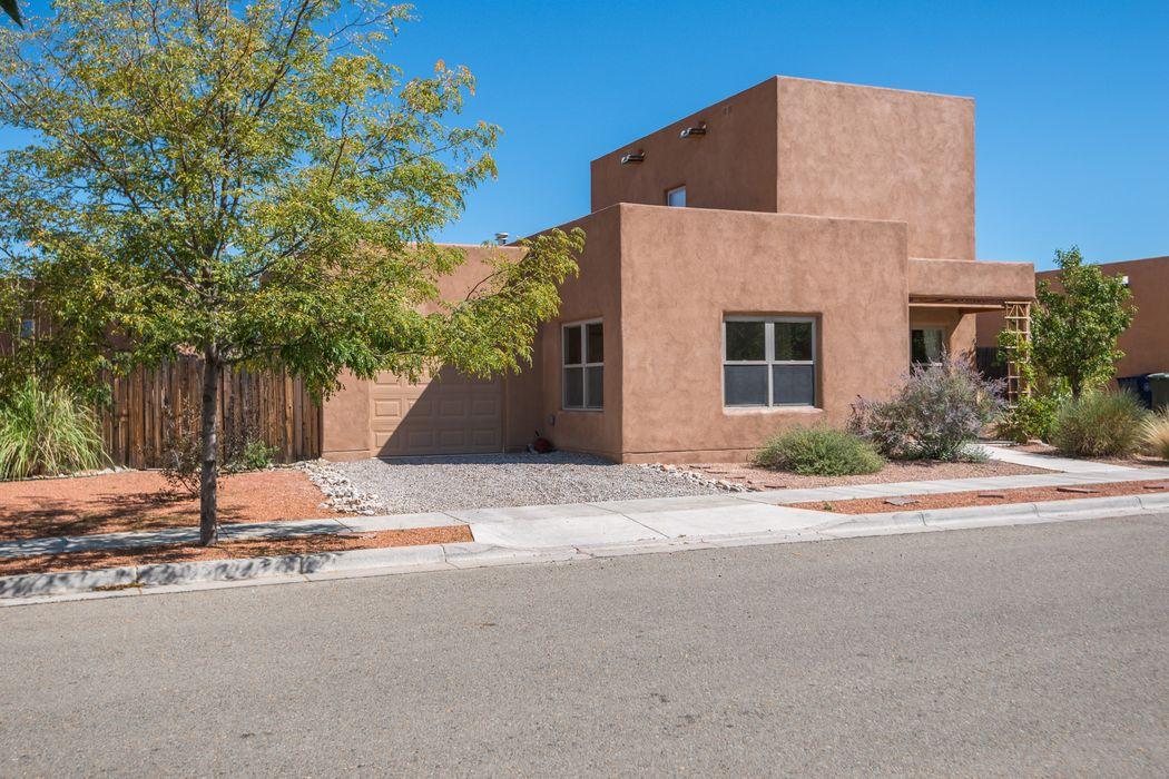 7609 Mesa Del Oro Lane Santa Fe, NM 87507