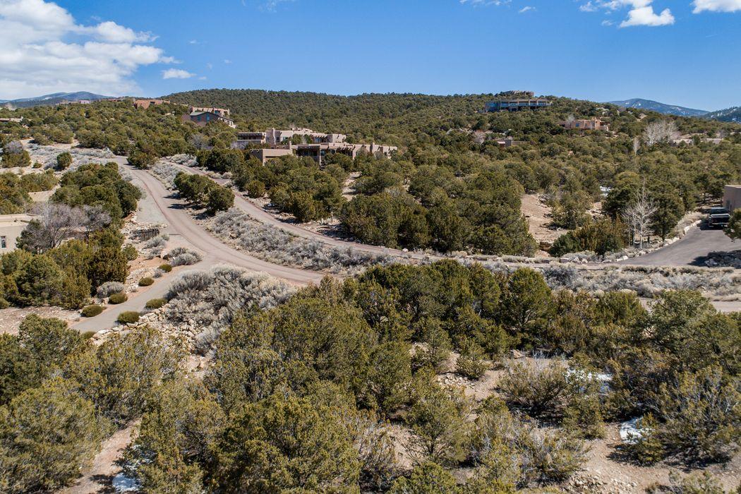 1924 Cerros Colorados Santa Fe, NM 87501