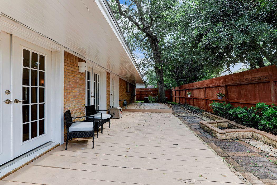 1502 San Sebastian Lane Houston, TX 77058