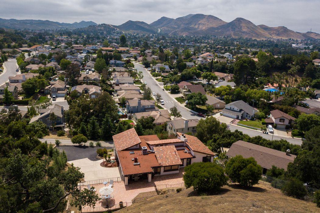 190 Silas Lane Newbury Park, CA 91320