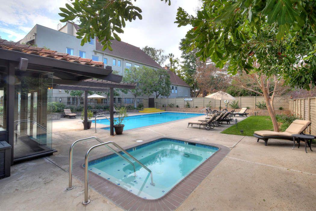 111 South Orange Grove Boulevard Pasadena, CA 91105