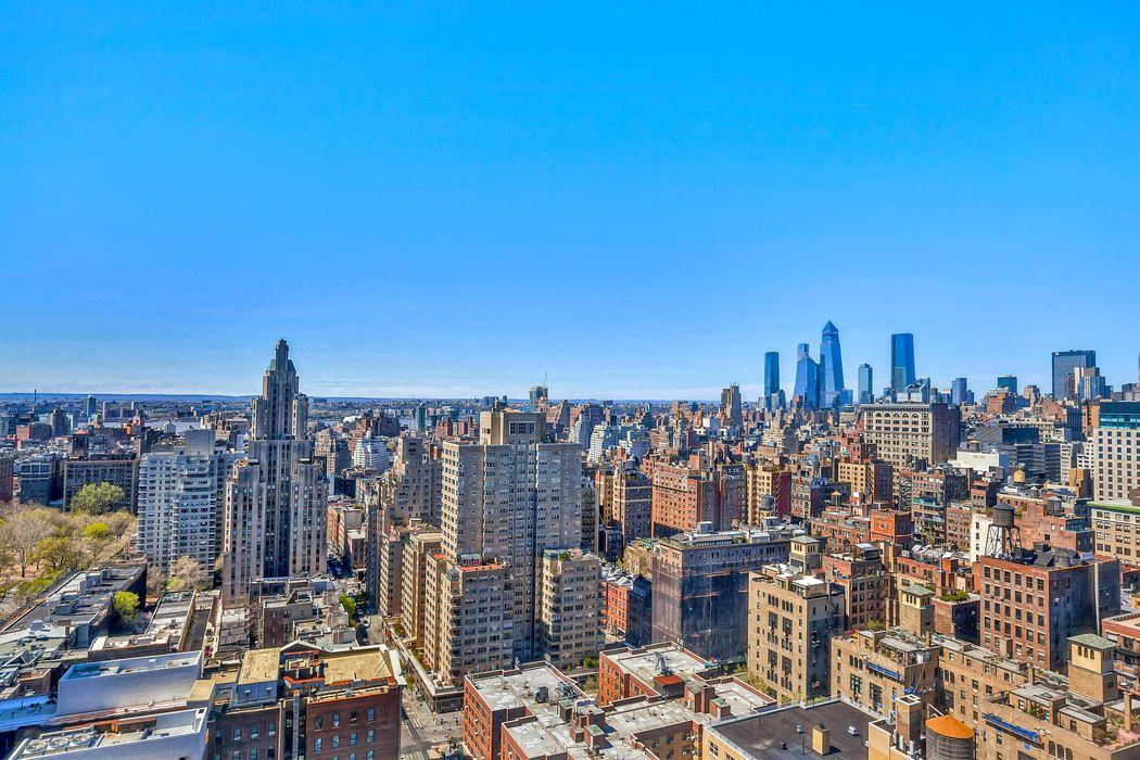 60 East 8th Street New York, NY 10003