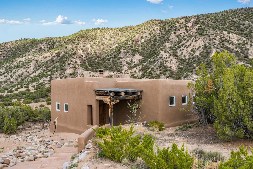 7 Casita Drive Ojo Caliente, NM 87549