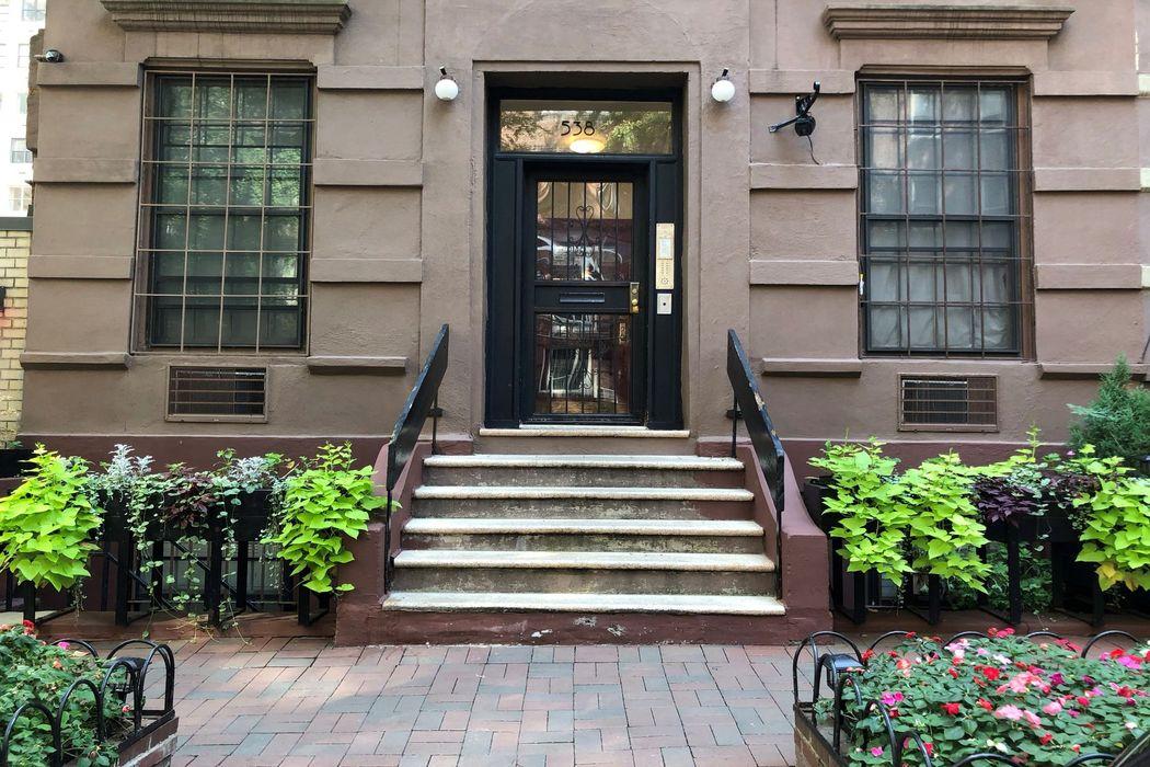 538 East 89th Street New York, NY 10128