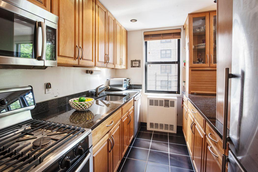 241 East 76th Street New York, NY 10021