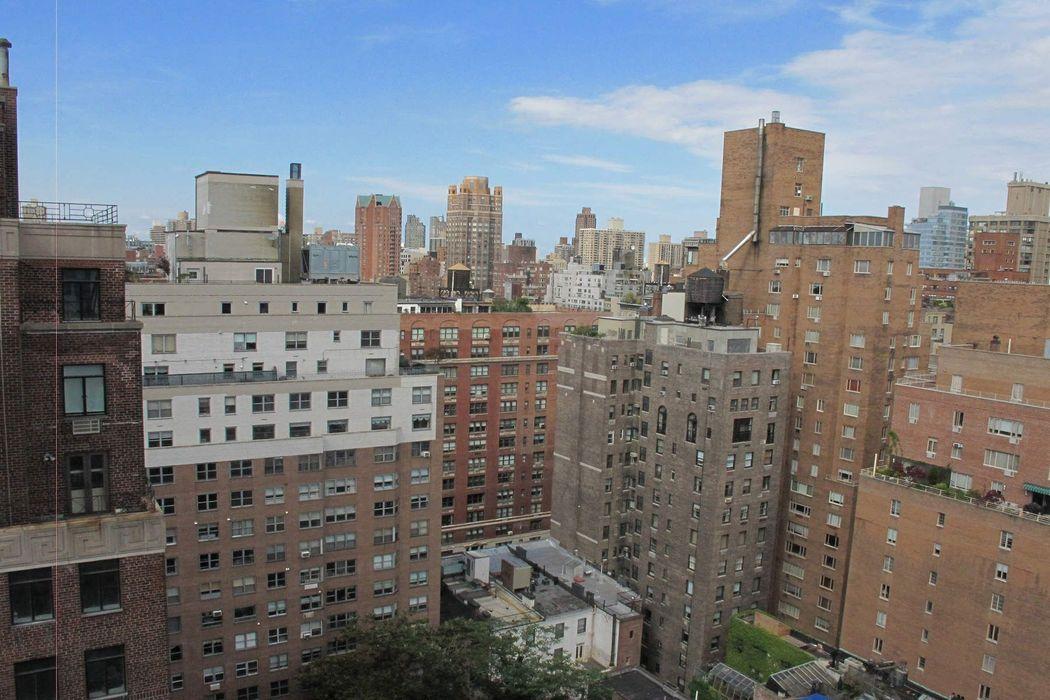 110 East 71st Street New York, NY 10021
