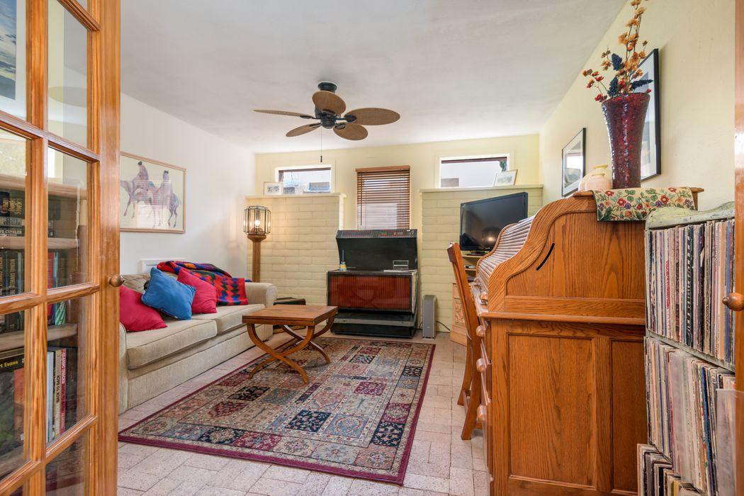 2119 Candelero Street Santa Fe, NM 87505