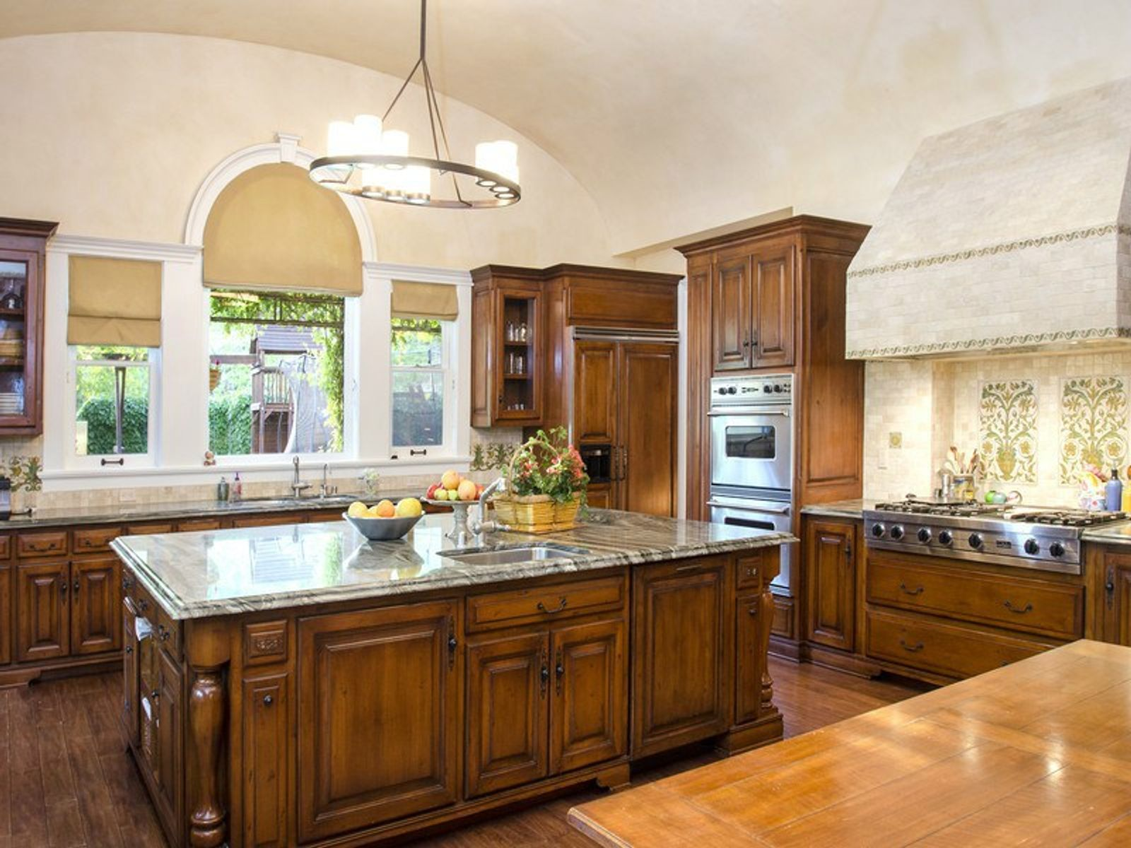 Estate on Approx. 16 Acres