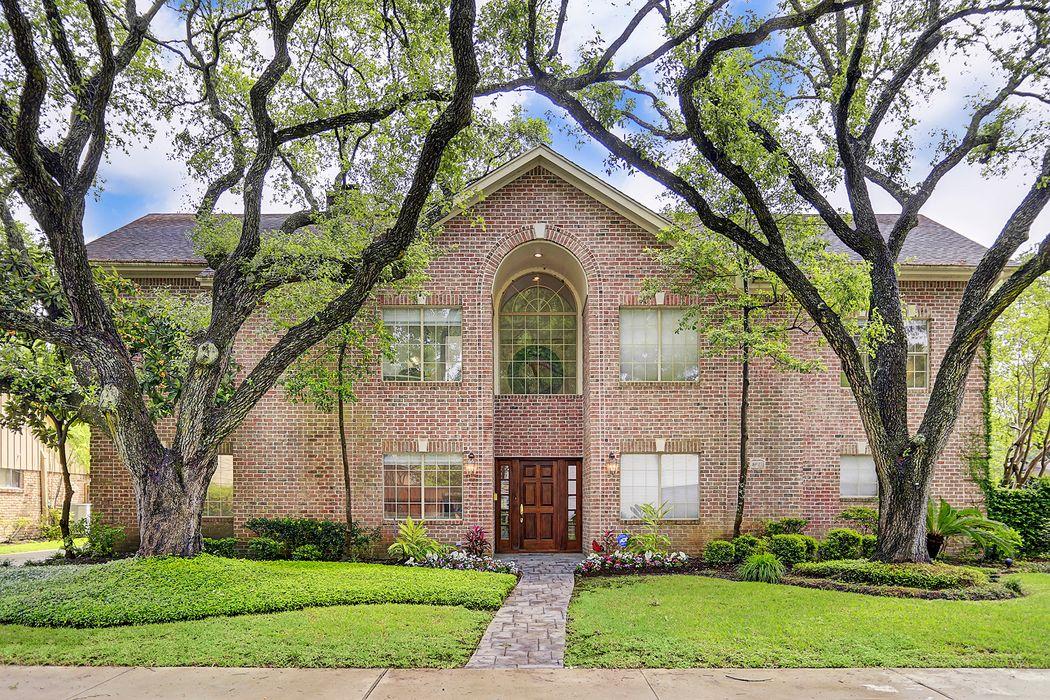 8907 Manhattan Drive Houston, TX 77096