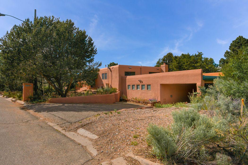 209 W Alicante Road Santa Fe, NM 87505