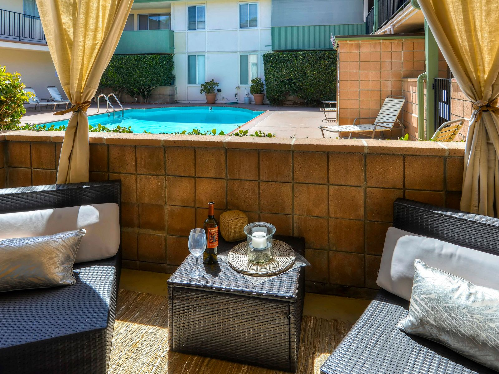 Charming Condo in Uptown San Roque