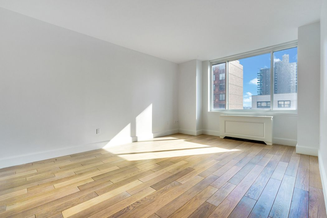 389 East 89th Street New York, NY 10128