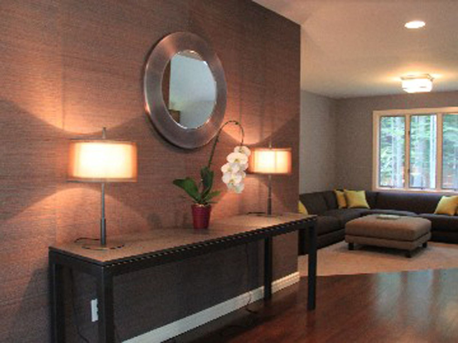 Chic, Renovated and Superbly Located