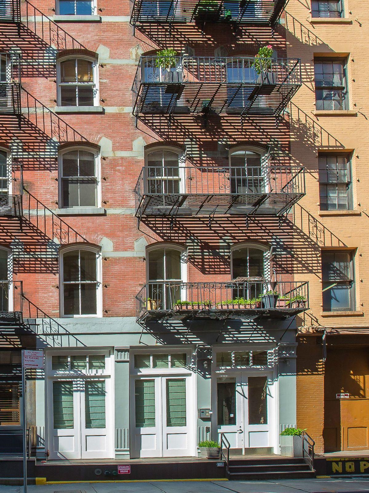 Mint 2-Bedroom Loft in Heart of Tribeca