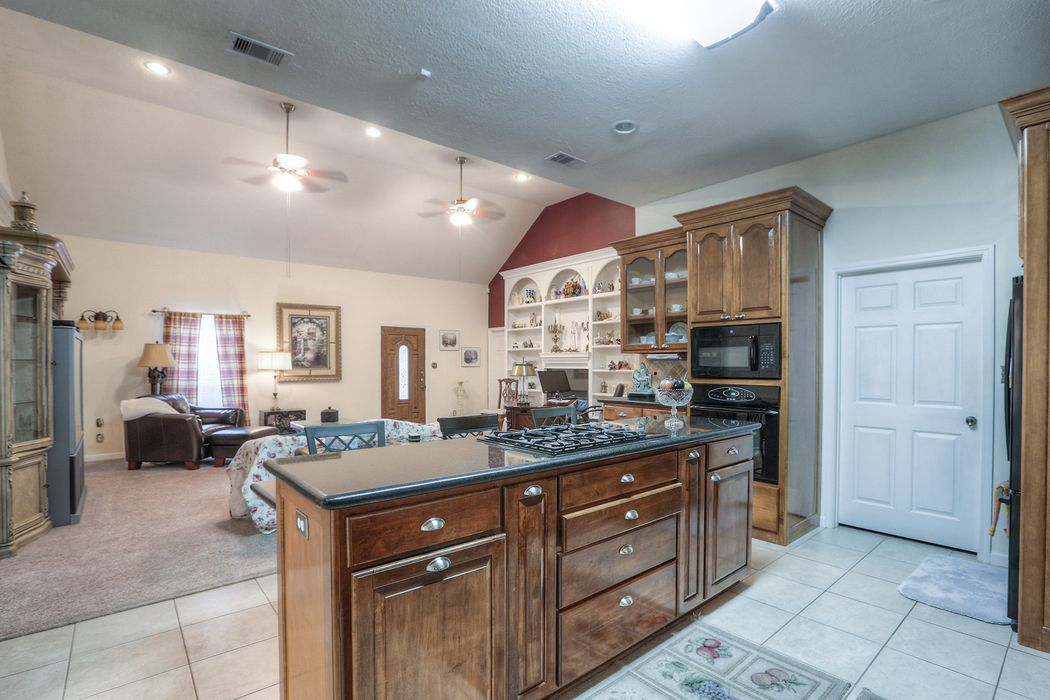 20126 Plantation Creek Drive Porter, TX 77354