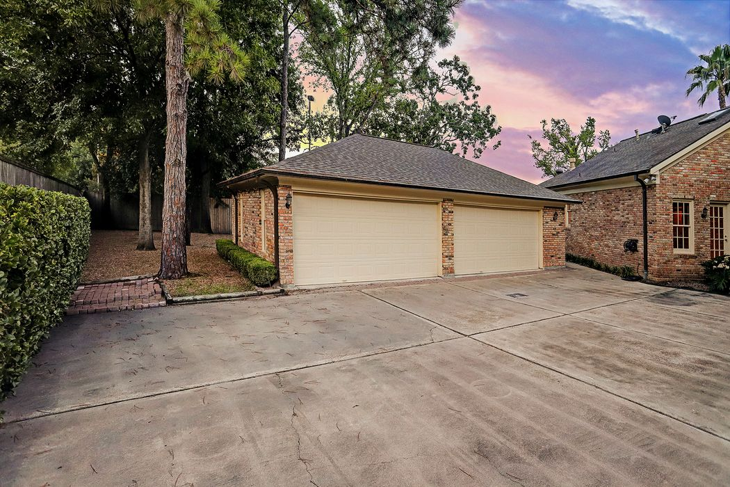 3 Greenbay Circle Piney Point Village, TX 77024