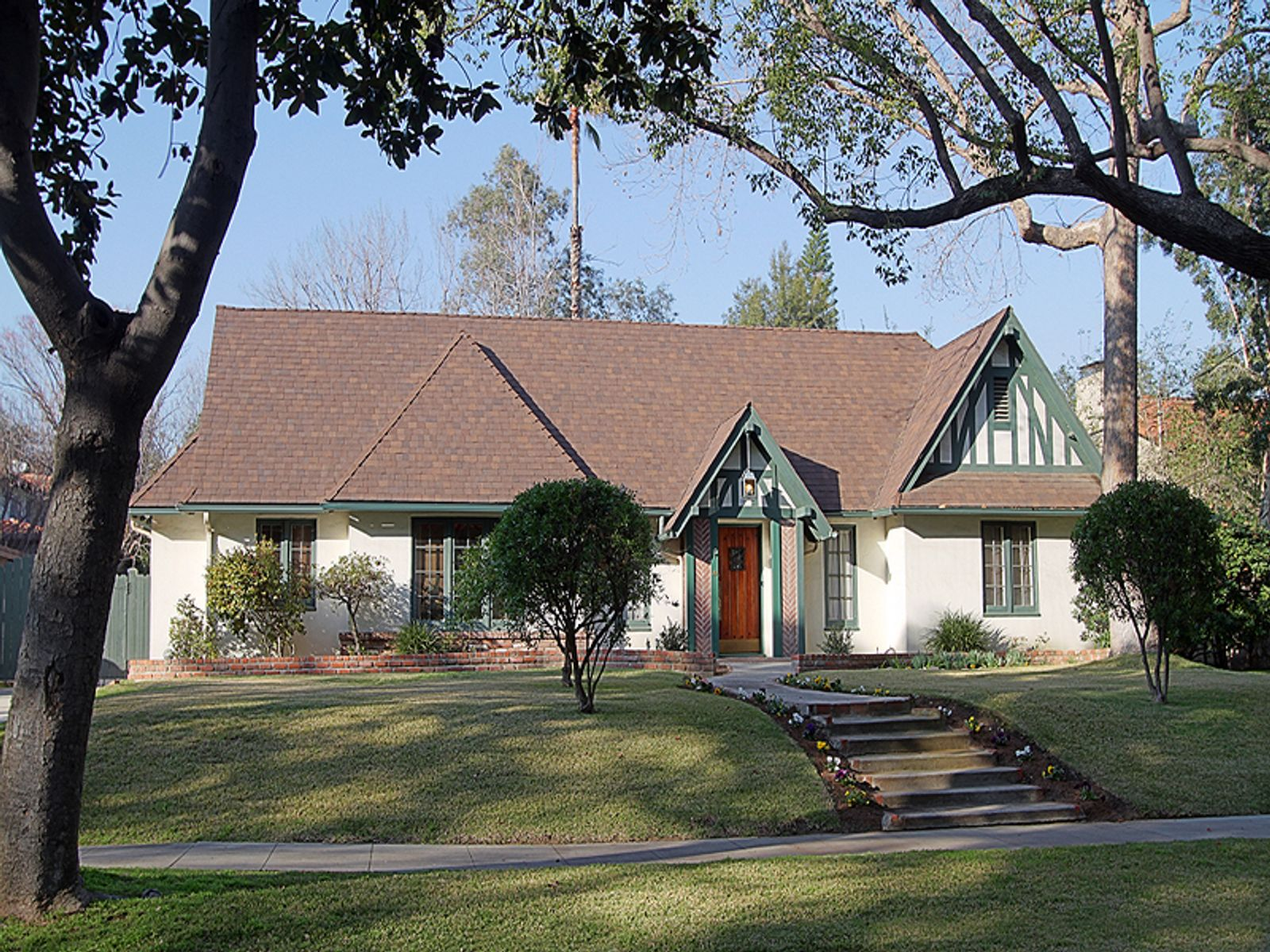 Opportunity in Historic District, Pasadena CA Single Family Home - Pasadena Real Estate