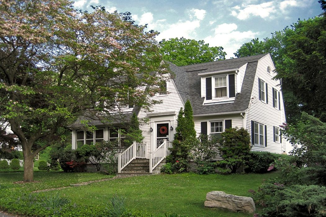 Classic Colonial on Private Cul De Sac