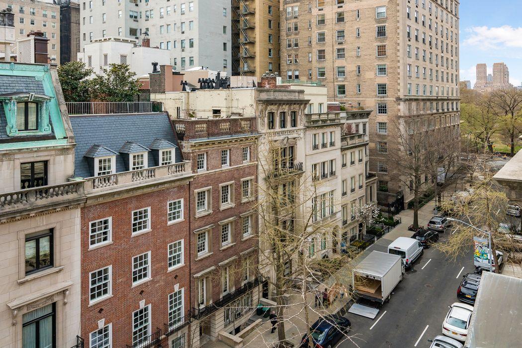19 East 73rd Street New York, NY 10021