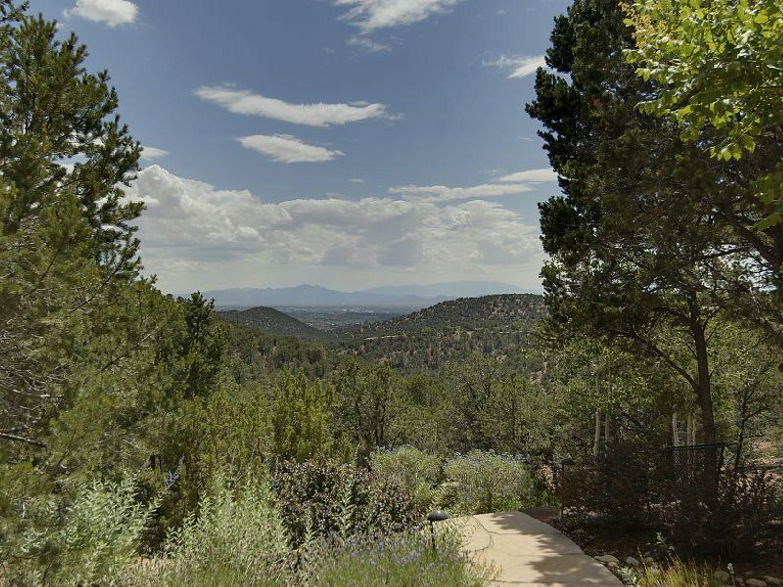 1267 Spanish Hill