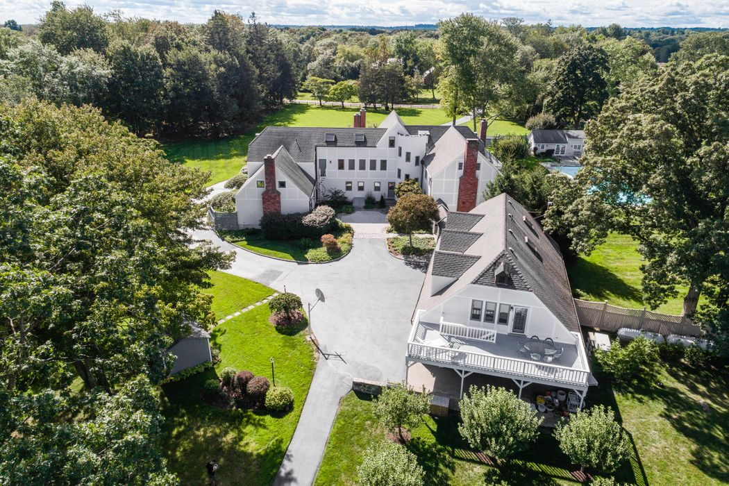18 Crown Lane Greenwich, CT 06831
