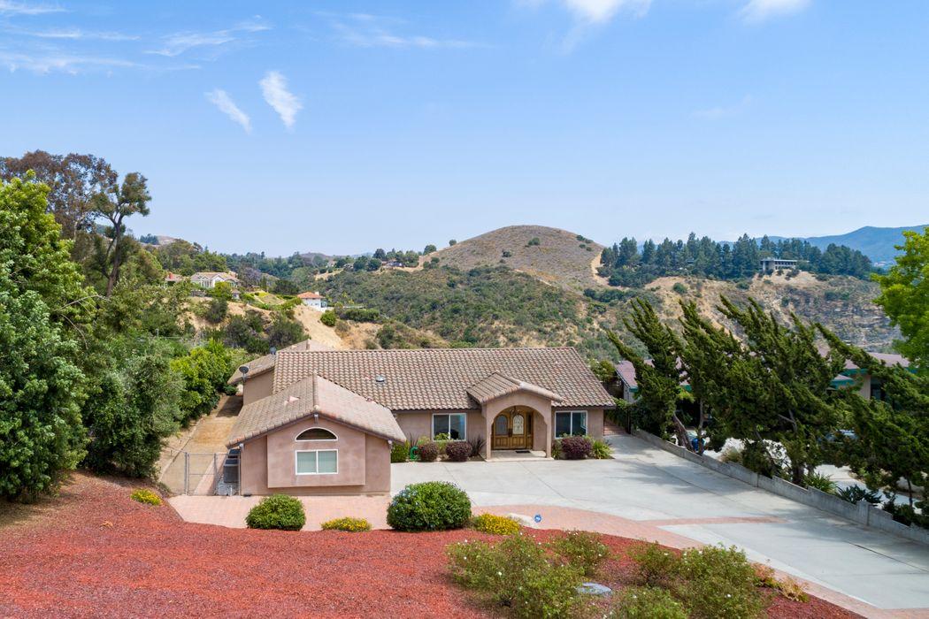 1334 Camino Cristobal Thousand Oaks, CA 91360