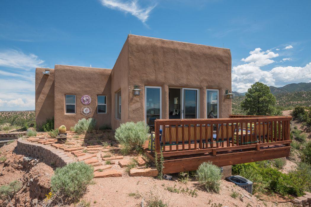 40 B Camino De Milagro Santa Fe, NM 87506