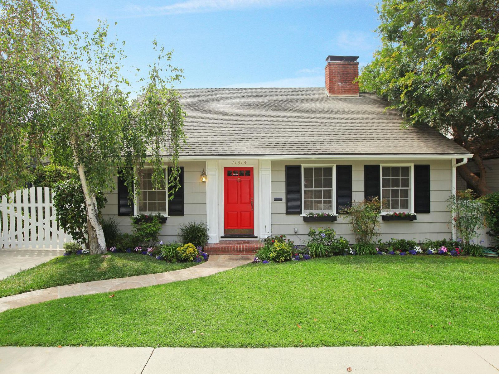 11374 Homedale Street, Los Angeles CA Single Family Home - Los Angeles Real Estate