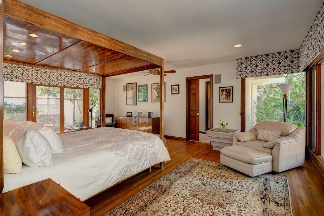 1047 Oak Grove Place San Marino, CA 91108